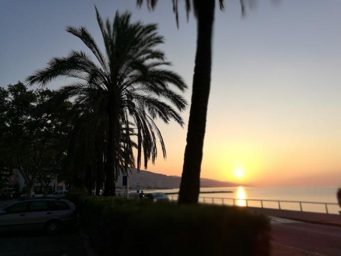 Menton Sonnenaufgang