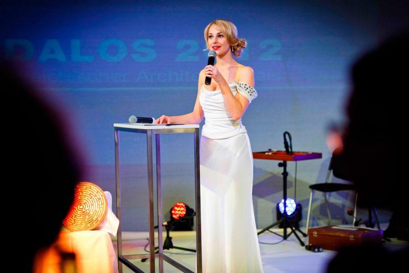Silvia Schneider - Kleid von Designer GOTTFRIED