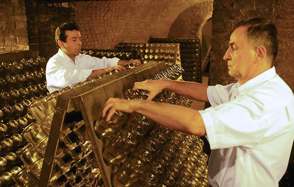 Schlumberger - seit 175 Jahren höchste Qualität, Methode Traditionelle