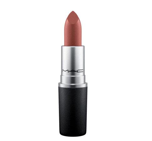 Caro Daur kreiert einen Lippenstift für Mac